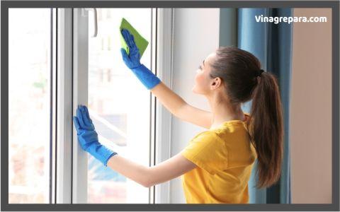 como limpiar vidrios con vinagre